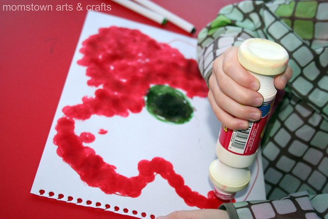 Remembrance day poppy craft preschool poppy craft for Veterans day crafts for preschoolers