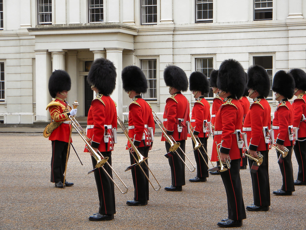 changing of the queen u0026 39 s guard