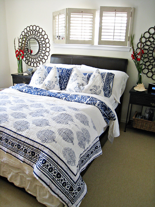 Blue And White Mixed Floral Print Bedding Master Bedroom D