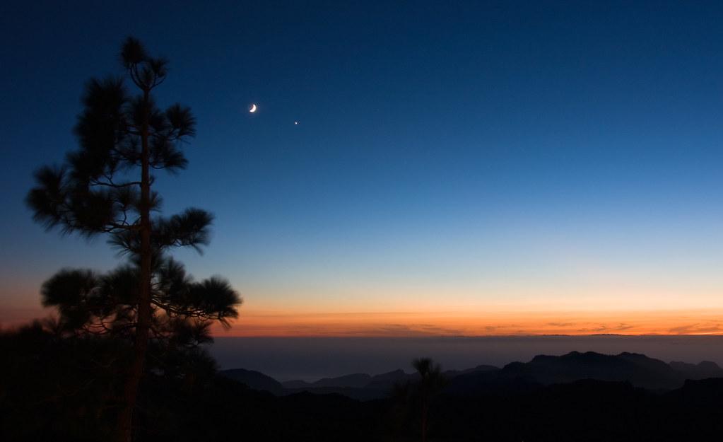 POEMAS SIDERALES ( Sol, Luna, Estrellas, Tierra, Naturaleza, Galaxias...) - Página 21 4994190892_6eae25be27_b