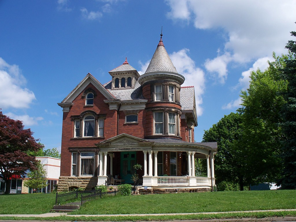 Oh mansfield house old house with tower in mansfield for Building a home in ohio