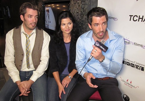 W network property bothers drew scott jacqueline henness for How tall are the property brothers