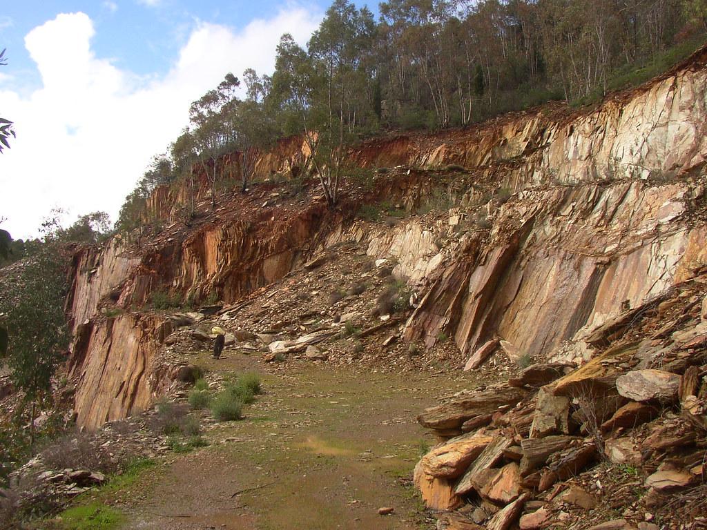 Pizarra en cantera barrancos portugal 01 banco de im genes geol gicas flickr - Cantera de pizarra ...
