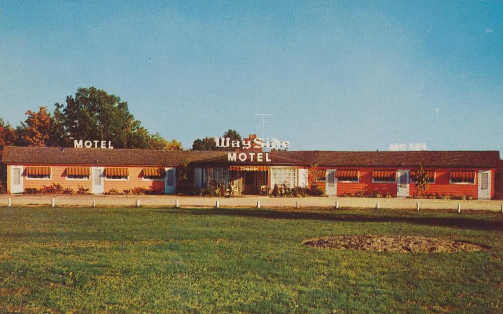 Wayside Motel and Cabins - Charlevoix, Michigan