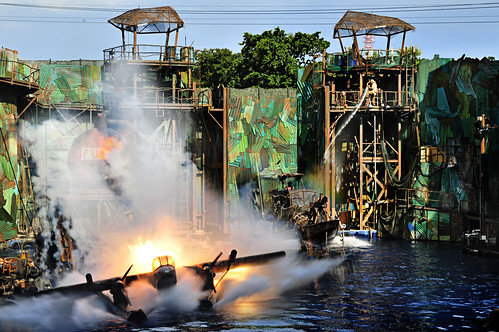 Universal Studios Singapore presents WaterWorld | Water ...