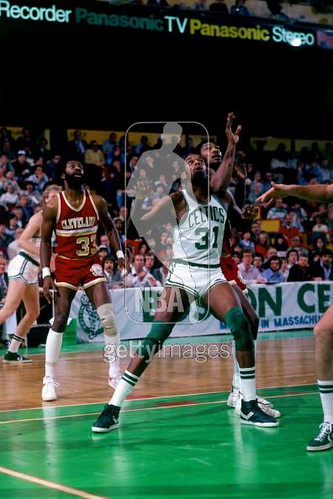 Mike Mitchell boxes rebounds, Bobby Wilkerson watches 1981 | by Cavs History