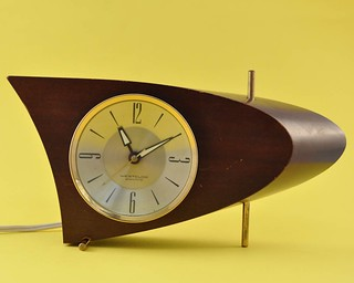 Atomic Vintage Wood Alarm Clock | by jollypollypickins