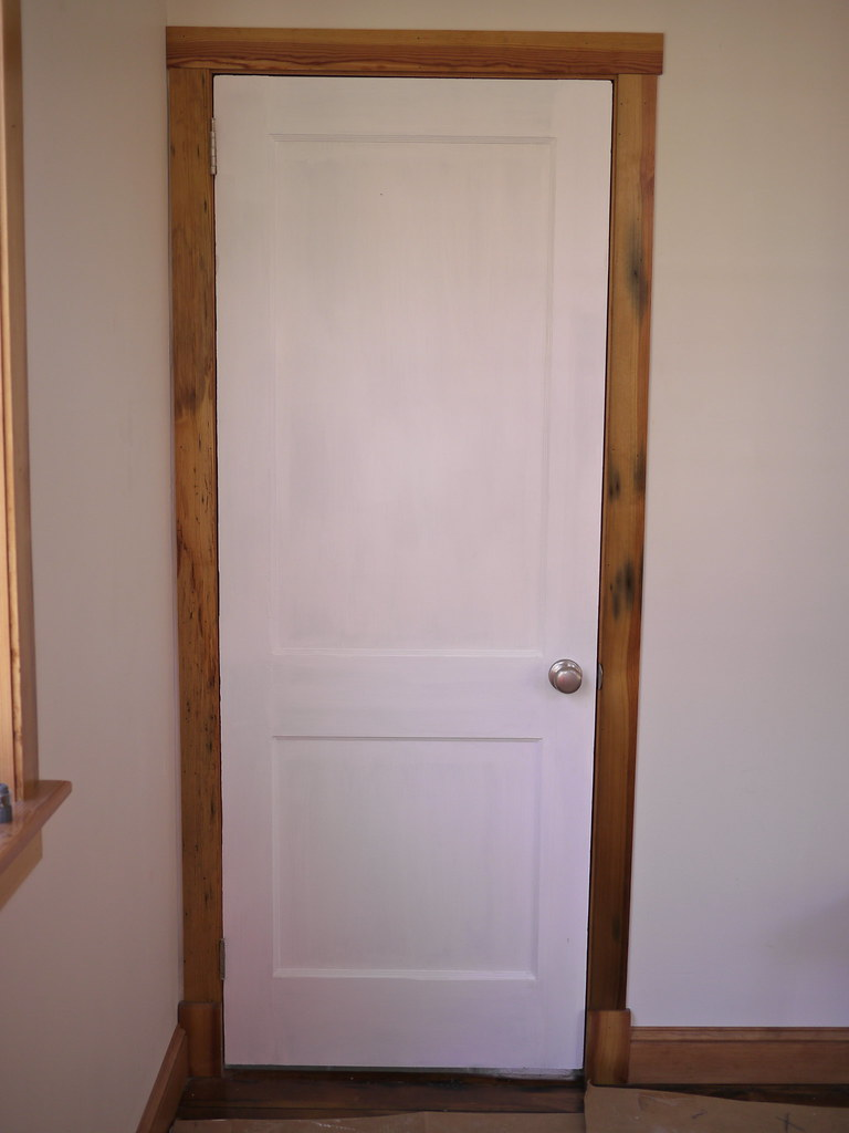 ... hear pine door trim bathroom | by RyanIsHungry - Hear Pine Door Trim Bathroom The Door Is Antique Solid Woo… Flickr