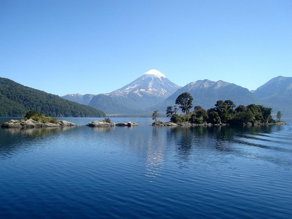 Isla de los Chivos - Lago Huechulafquen - Neuquen | por javierpincha