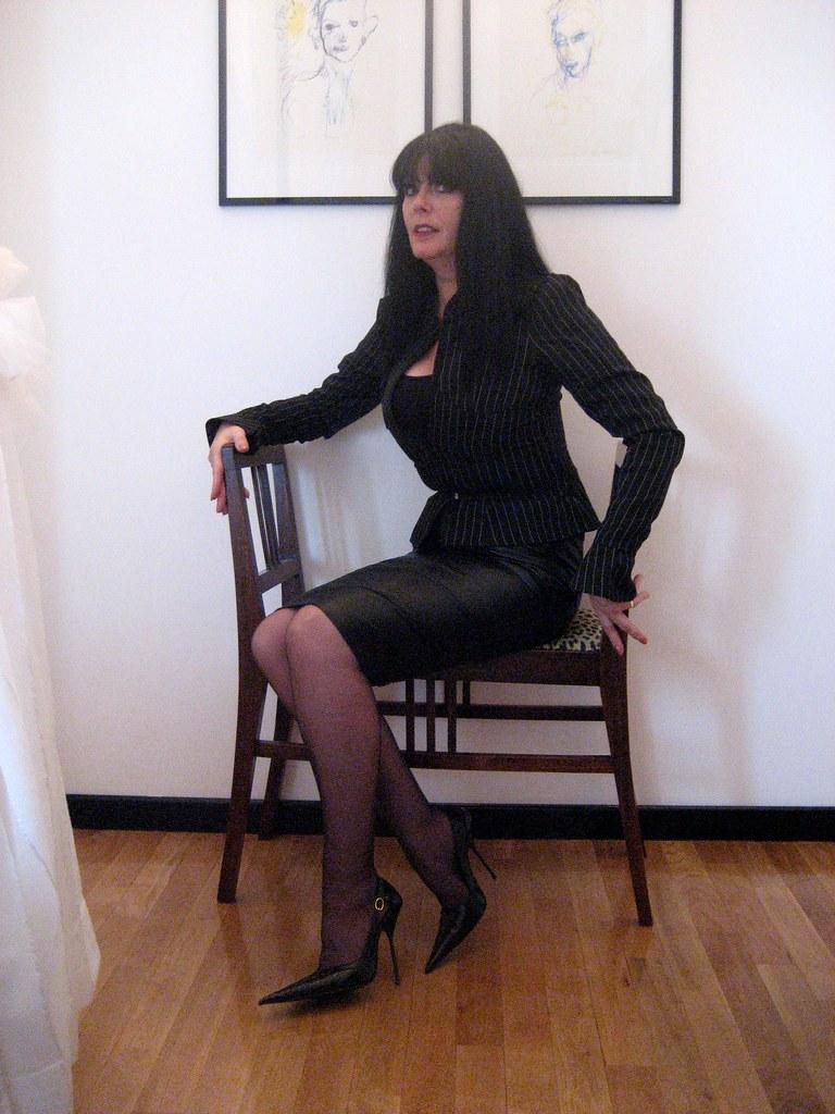 sarah in black leather rosa pointed high stilettos flickr. Black Bedroom Furniture Sets. Home Design Ideas