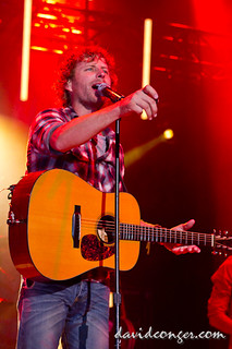 Dierks Bentley at the Puyallup Fair | by davidconger.com