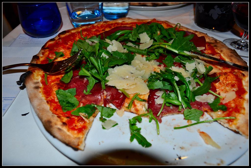 Pizza at il portico bologna pg63 flickr for Il portico pizzeria bologna