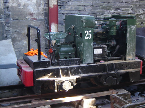 Emsat Sign In: This Ruston Class LBU Locomotive Is RH 375694