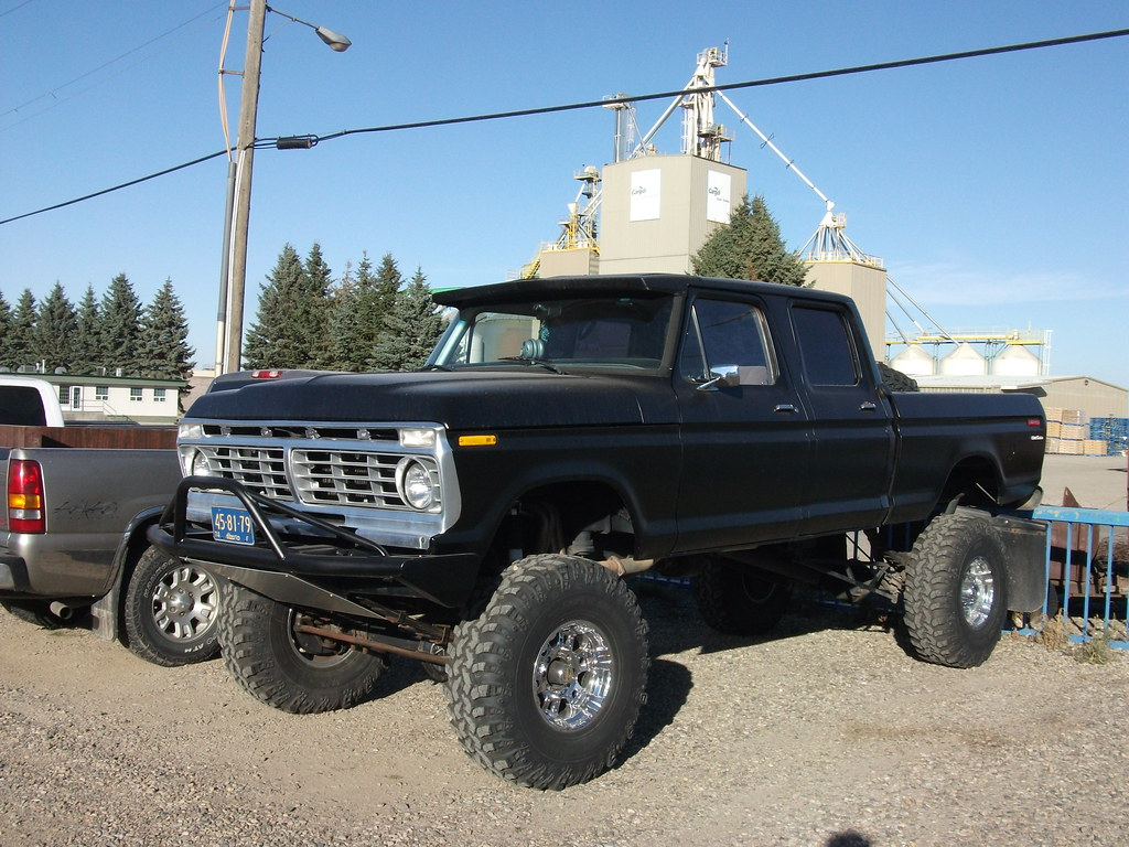 Ford truck | Ford quad cab truck with huge lift and tires ...