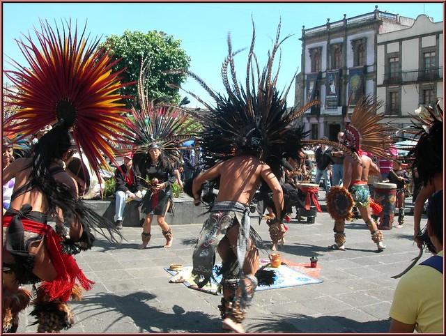 Danzantes Aztecas   Flickr - Photo Sharing!