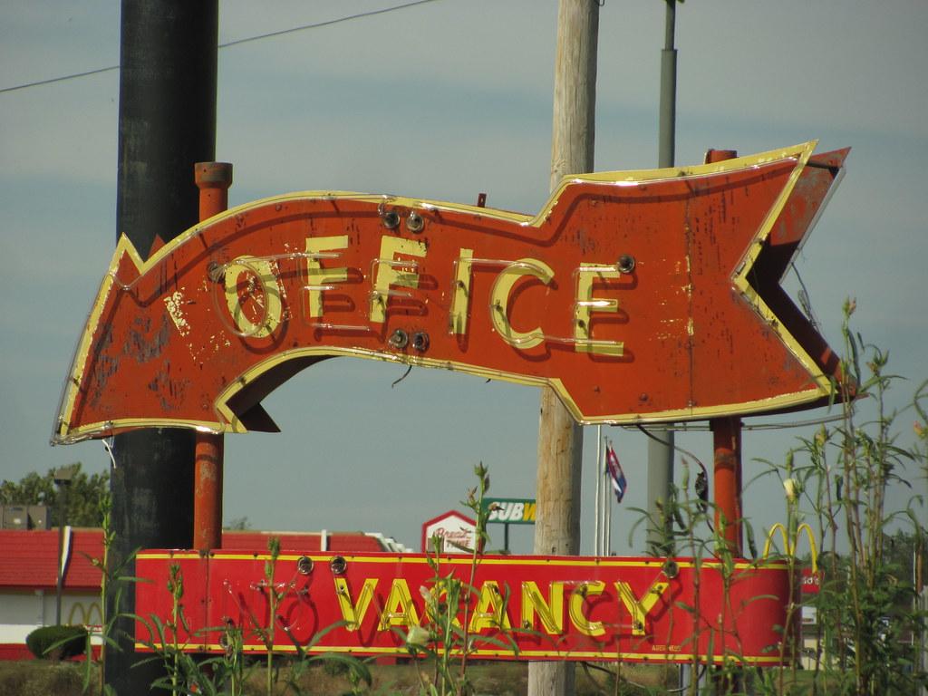 vintage neon arrow motel sign qt inn boonville mo img flickr