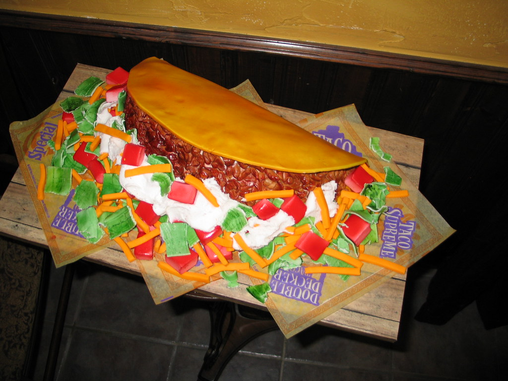 Taco Supreme Cake Taco Bell Cake For My Daughters 17th Bi Flickr