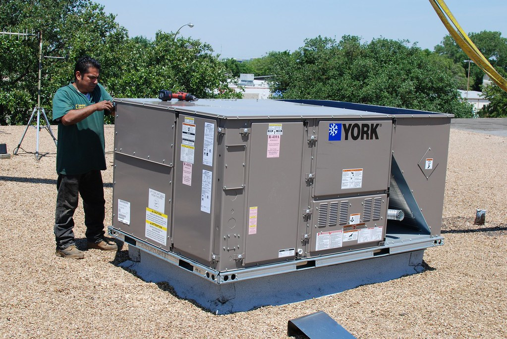 York Rooftop Unit Installation5 | Chapman Air | Flickr