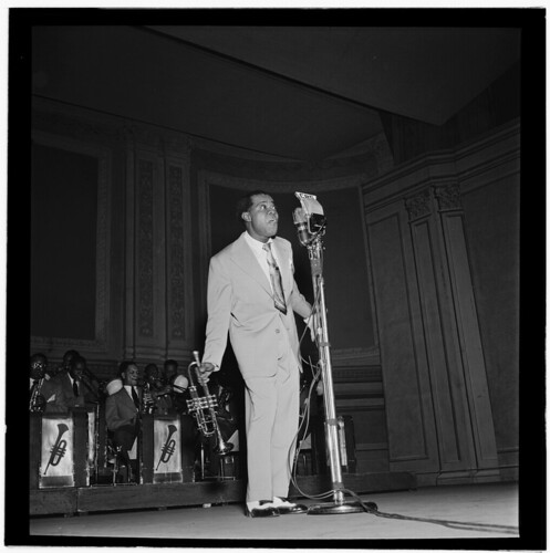 [Portrait of Louis Armstrong, Carnegie Hall, New York, N.Y., ca. Feb. 1947] (LOC) | by The Library of Congress