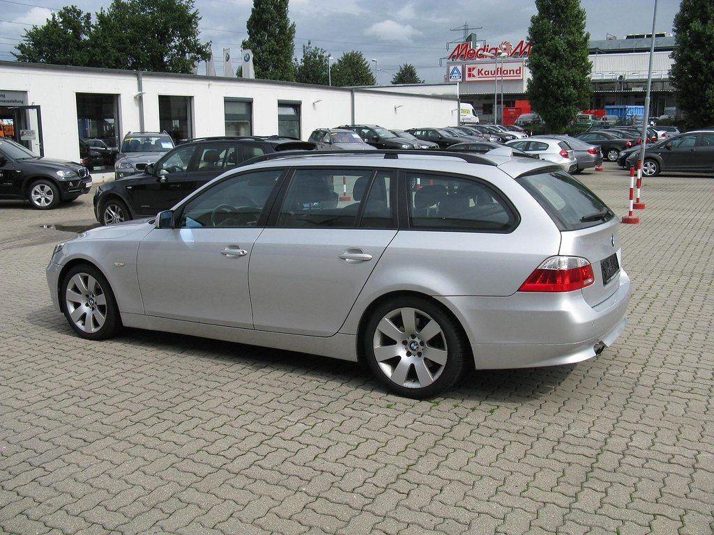 bmw 5 series touring e61 bmw niederlassung hamburg flickr. Black Bedroom Furniture Sets. Home Design Ideas