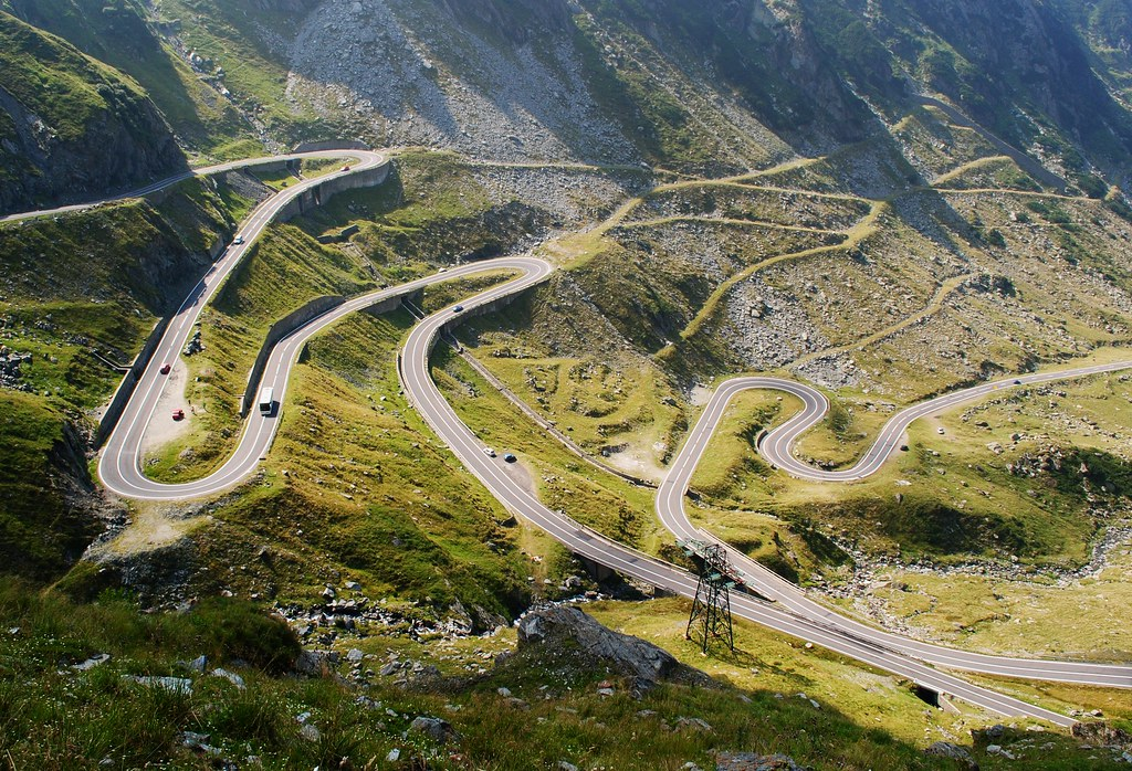 Hasil gambar untuk Transfagarasan Road
