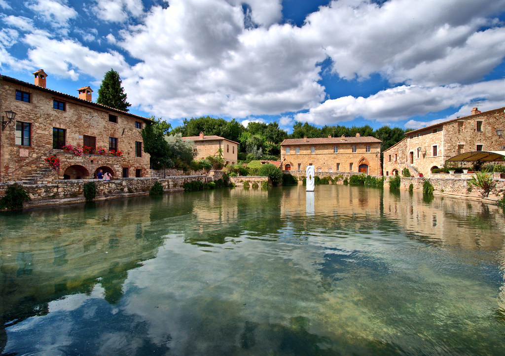 Bagno vignoni the ancient village of bagno vignoni is loca flickr - Bagno vignoni spa ...
