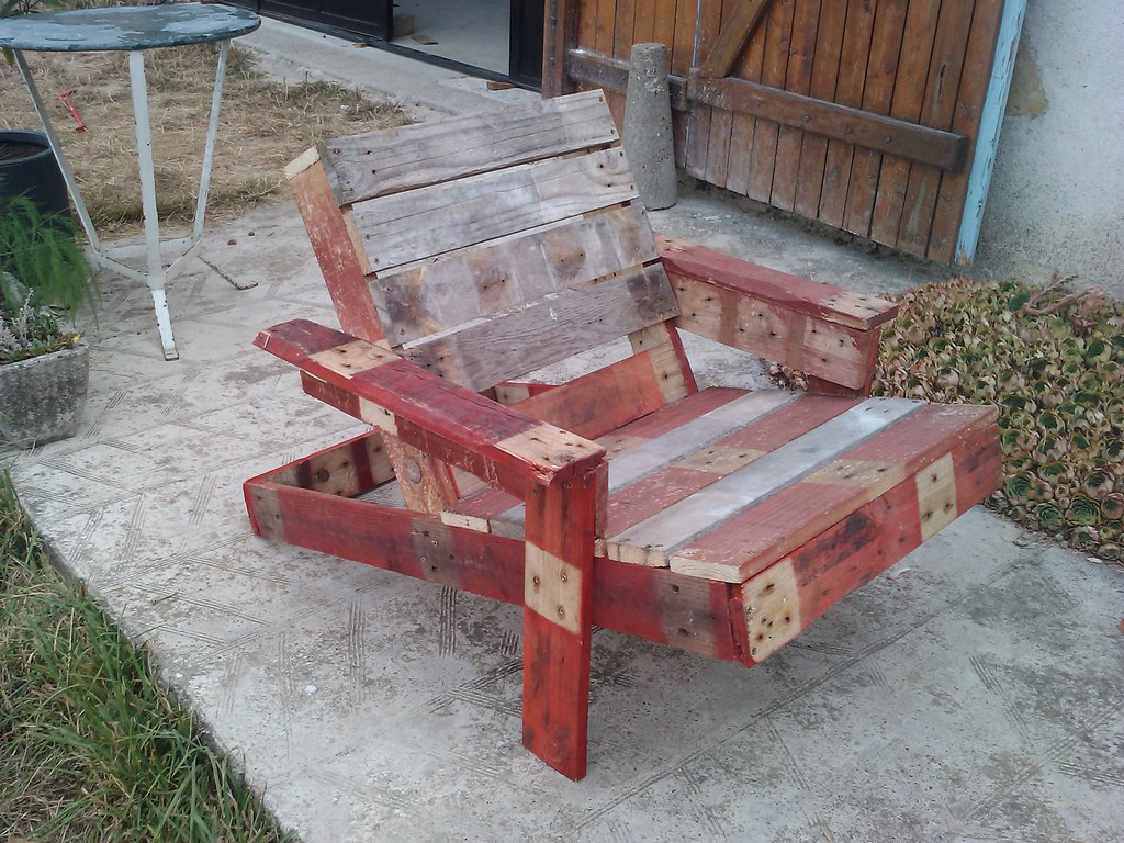 Chaise en palette 28 images 20 ideas for pallet patio furniture pallet ideas pinterest the for Chaise de jardin en palette