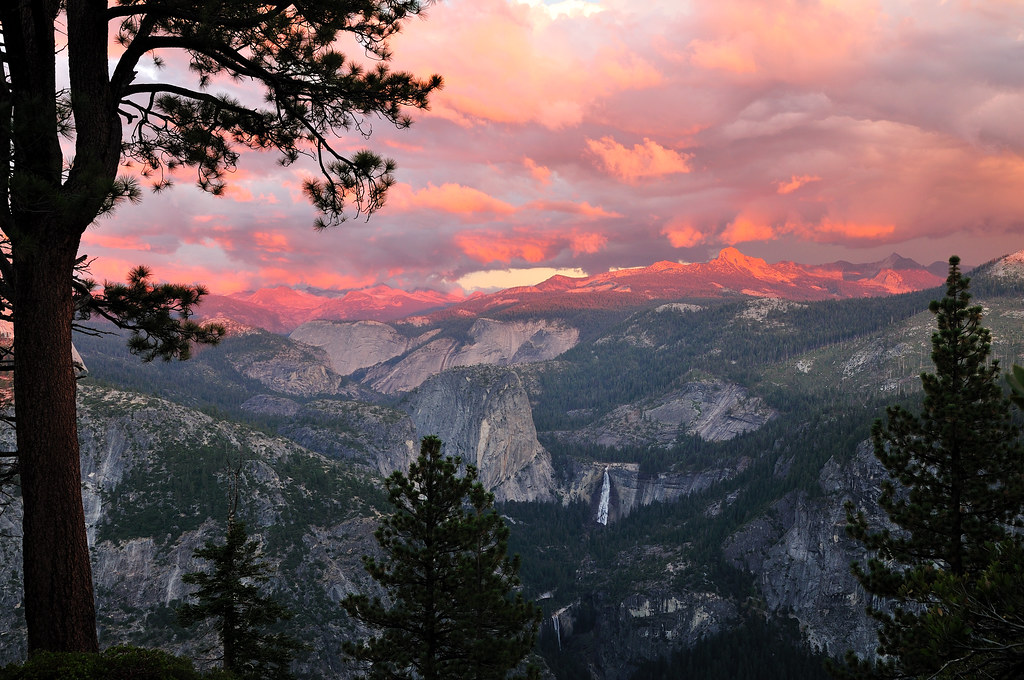 Sierra sunset glacier point offers so many views they for Sierra fish in english