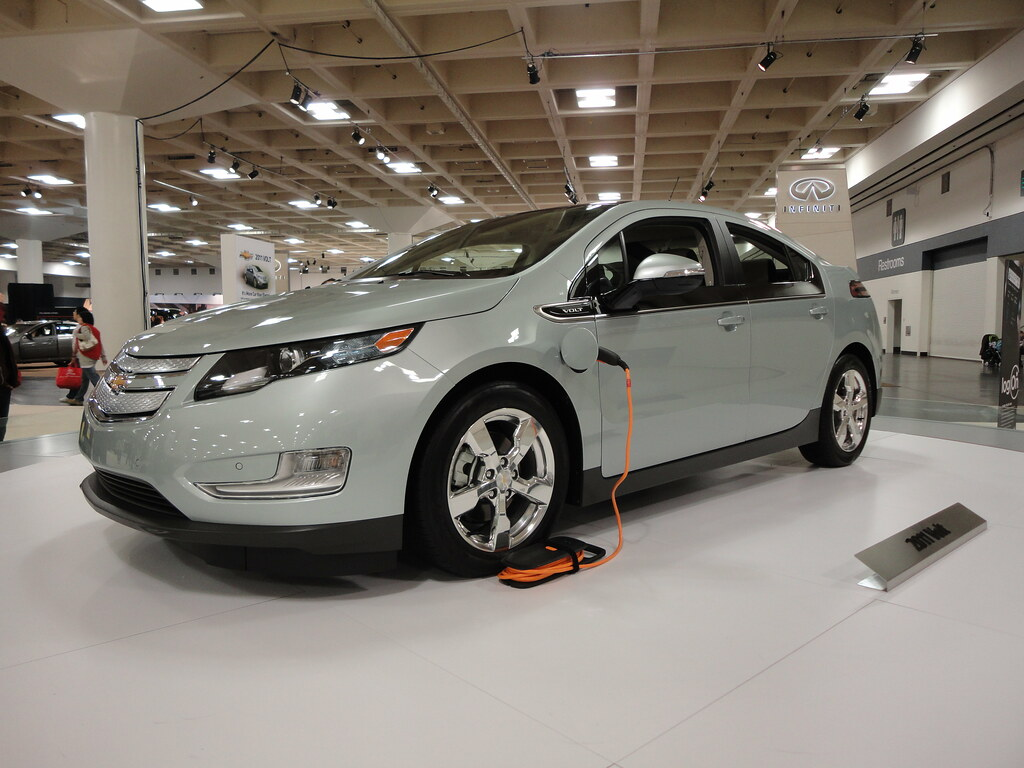 plug in hybrid car the chevy volt on display on a spinning flickr. Black Bedroom Furniture Sets. Home Design Ideas