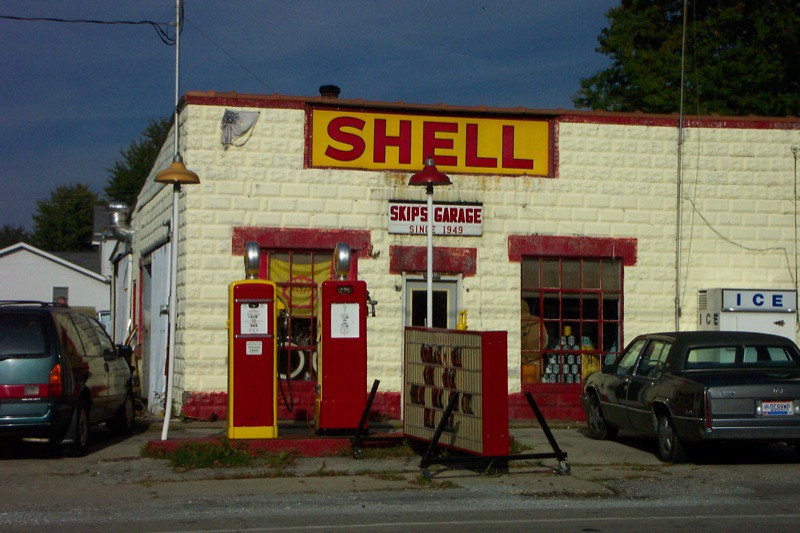 Shell Gas Station >> Russellville, OH ~ Vintage Shell Gas Station | Skip's Garage… | Flickr