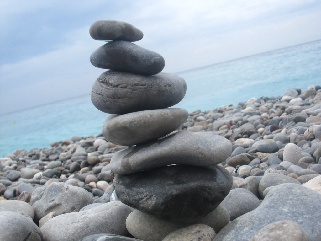 Stacking rocks on the Mediterranean | On the rocky beach