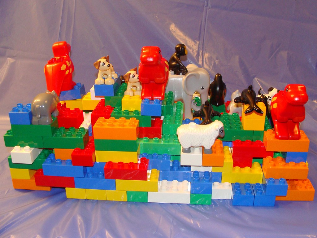 Elmhurst lego store brand ribbon model duplo zoo not a for Modele maison lego duplo