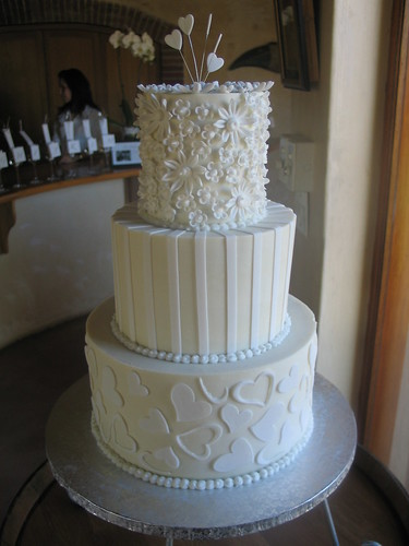 white ganache wedding cake study of white wedding cake on white chocolate ganache ici 27287