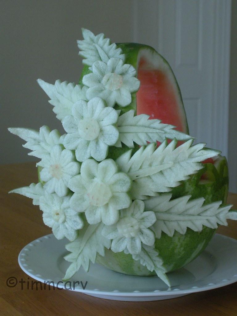 Upright daisy basket a watermelon fruit carving
