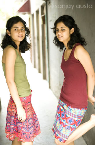 Twin Sisters In Delhi, India  Sanjay Austa  Flickr-4657