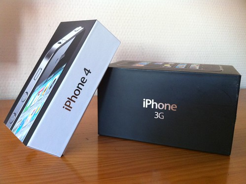 iPhone 4 vs iPhone 3G Box | by Witer