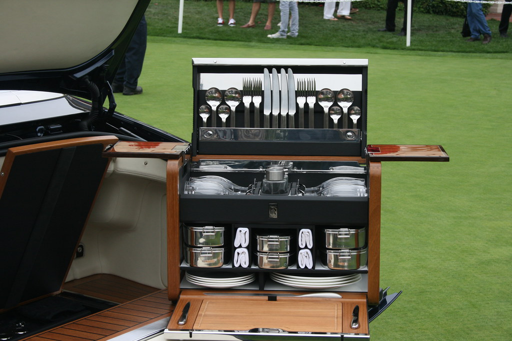 Rolls Royce Picnic Hamper >> Picnic basket, Rolls Royce style | Pro Photo Photography | Flickr