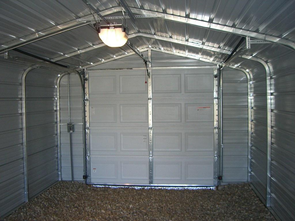 Garage door blog white modern garage door with windows for Interieur garage