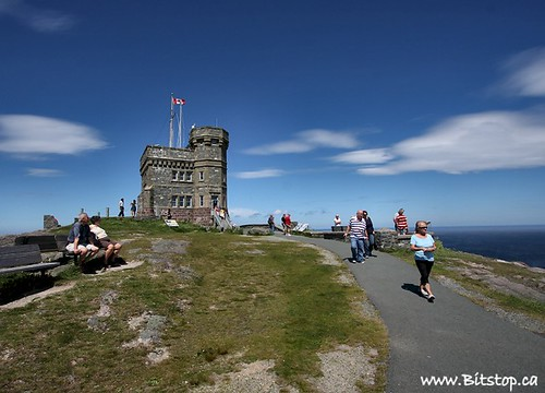 Tourists on Signal Hill | by Karen_Chappell
