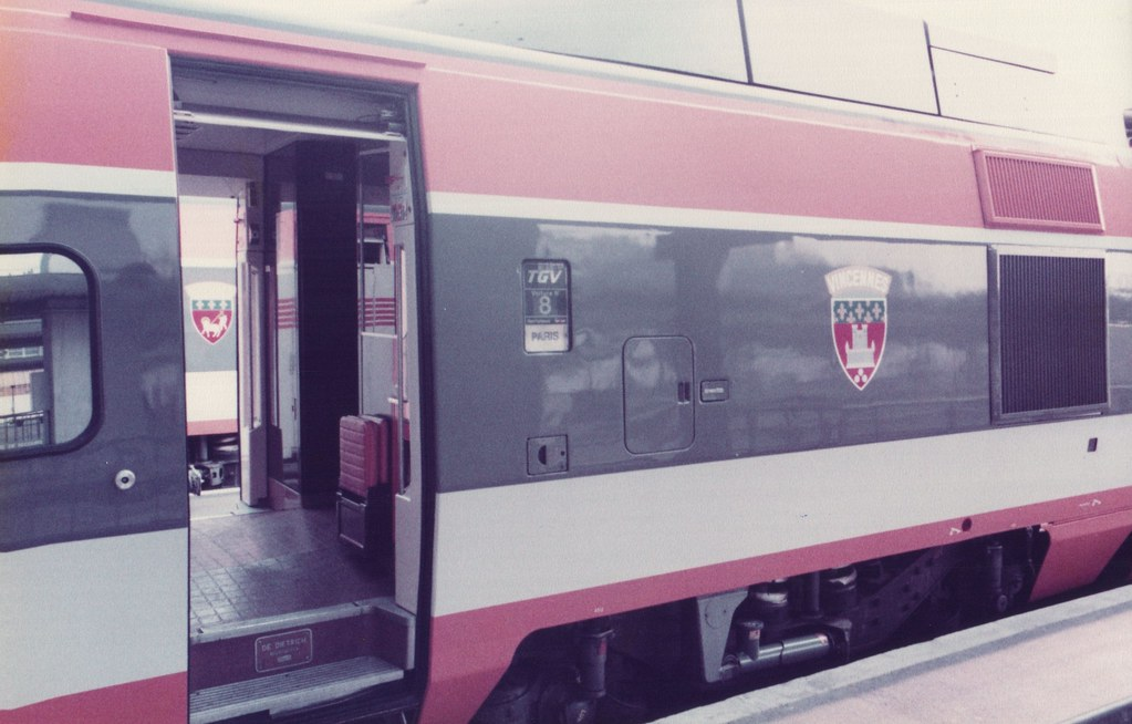 tgv units at paris gare de lyon 18 september 1982 flickr. Black Bedroom Furniture Sets. Home Design Ideas