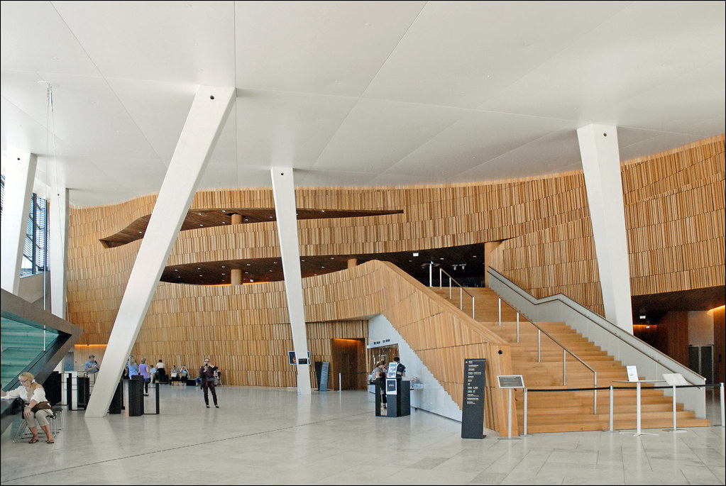 Opera Foyer Kopenhagen : Le foyer de l opéra d oslo norvège escalier principal