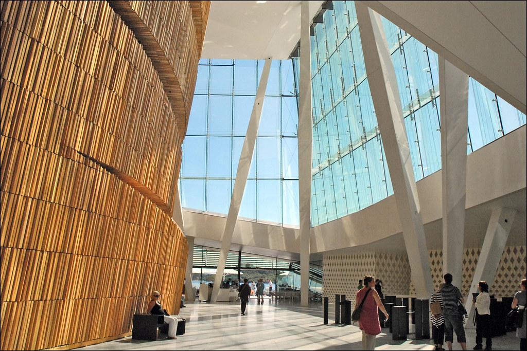 Open Foyer Opera Copenhagen : Le foyer de l opéra d oslo norvège