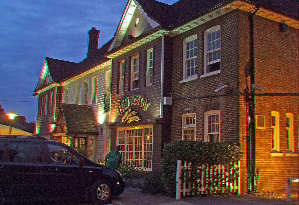 Crooked Billet Harvester Petts Wood At Night In Anglyph 3d Flickr