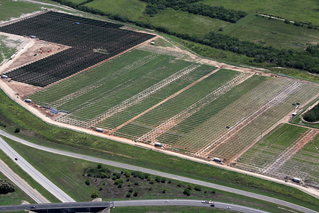 Blue Wing Solar Aerial View August 2010 Construction