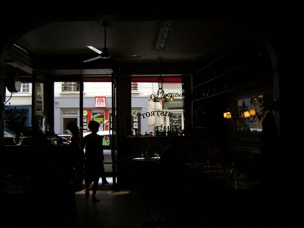 restaurant vins des pyr n es le marais par s francia pa flickr. Black Bedroom Furniture Sets. Home Design Ideas