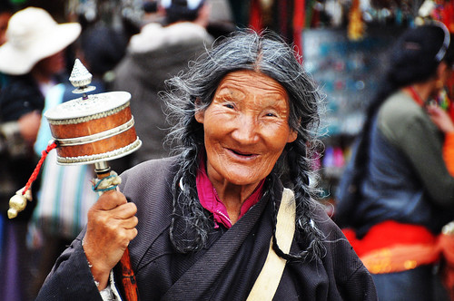Old woman in Barkhor Market