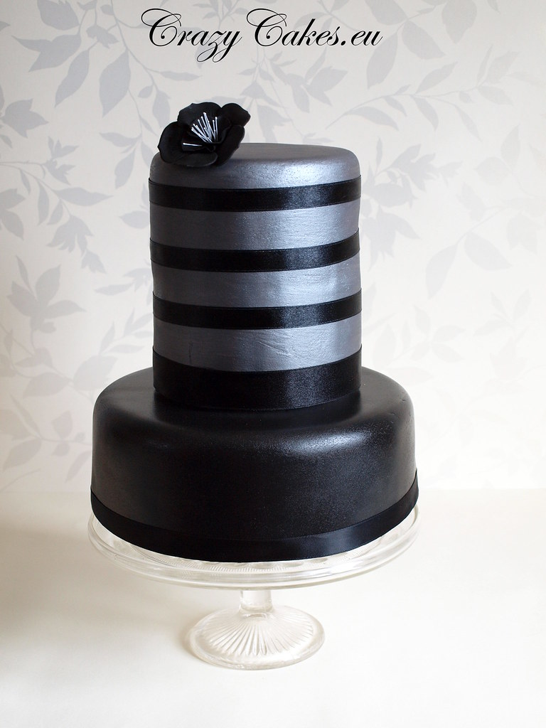 pictures of black and silver wedding cakes black amp silver wedding cake this is a dummy cake i 18390