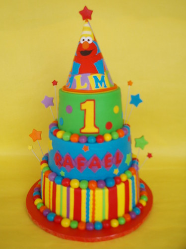 elmo birthday cake elmo hat 1st birthday cake rafael turned one and 3882