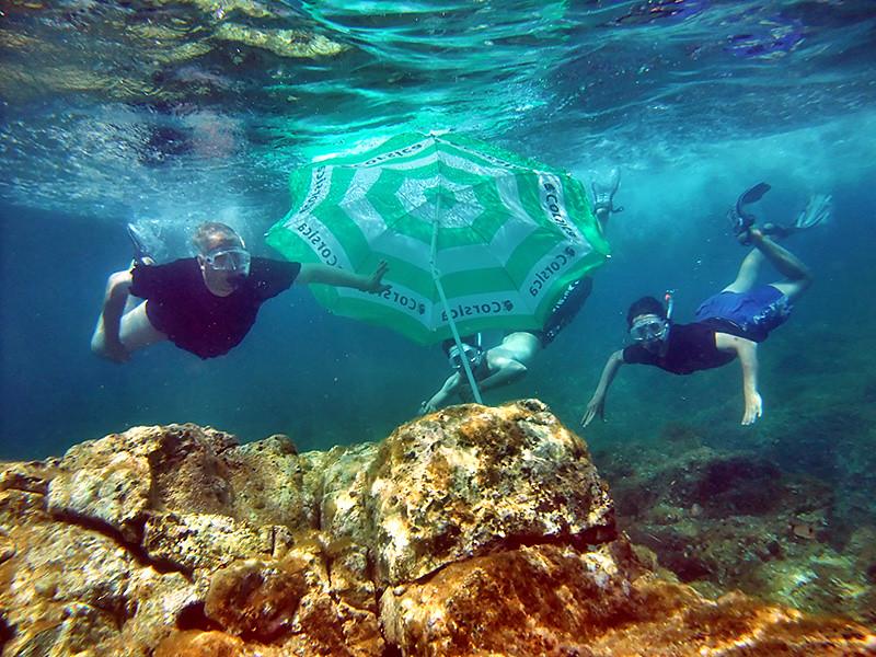 ... The underwater parasol ! Invented in Corsica 110080f731c