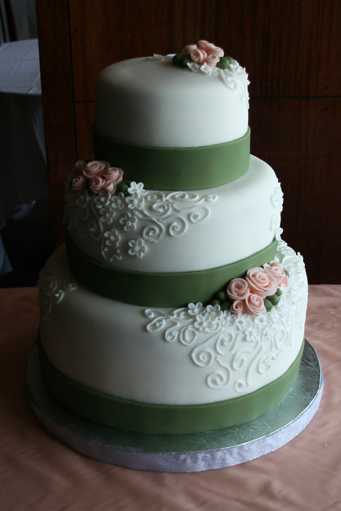 vegan vanilla wedding cake recipe roses wedding cake a completely vegan wedding cake 21536